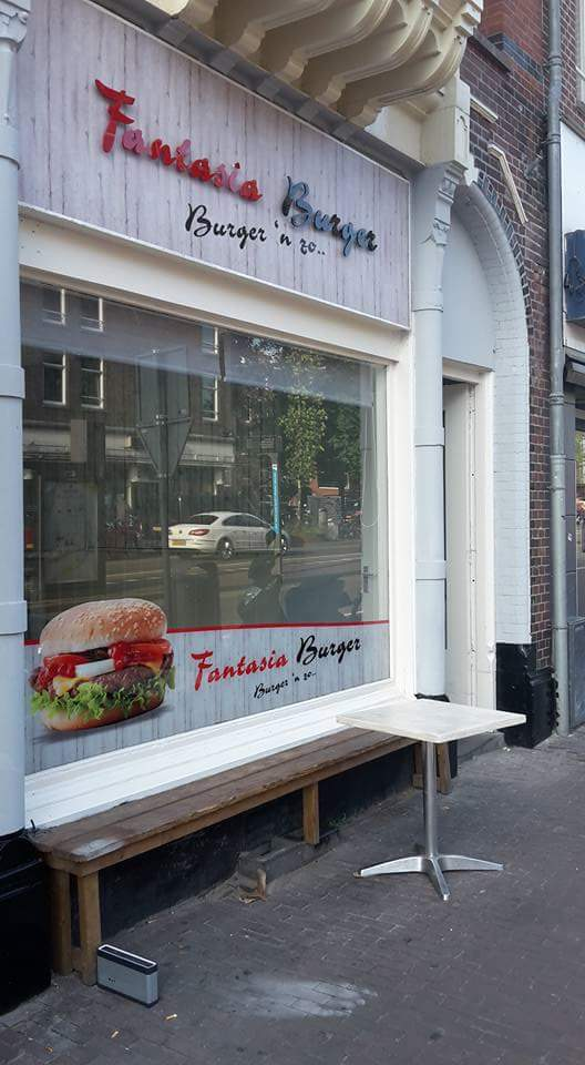 Exterieur Fantasia Burger Amsterdam