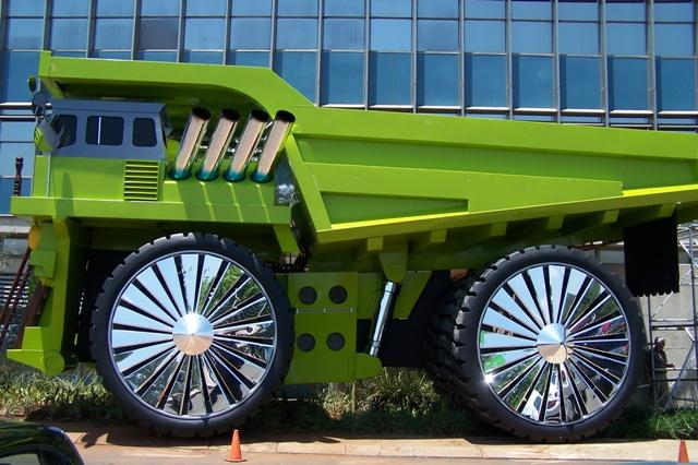 https://www.faxgids.nl/_images/upl/866890/amazing-big-car.jpg
